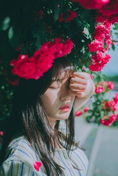 korean, ulzzang girl, and model image Lee Jin, Asian Flowers, Ulzzang Korean Girl, Girl Photography, Photoshoot Ideas, Find Image, We Heart It, Asian Girl, Wattpad