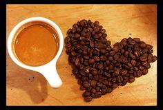 Feliz mediodía y buen apetito  para todos nuestros #CoffeeLovers  Conócenos en el C.C. Metrocenter pasaje colonial. #AromaDiCaffé #MomentosAroma #SaboresAroma #Café #Caracas #BuscandoElCafé #Coffee #CoffeeLovers #CoffeeMoments #CoffeeTime