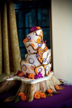 When it comes to a fall wedding, it's hard to beat it because of the sheer rustic and beautiful hues it offers. Today I'm going to introduce a color scheme of fall wedding ideas-purple and orange wedding, a perfect co. Orange Purple Wedding, Purple Wedding Cakes, Fall Wedding Cakes, Orange And Purple, Our Wedding, Dream Wedding, Wedding Ideas, Wedding Unique, Autumn Wedding