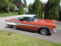 1958 Pontiac Chieftain Catalina Coupe