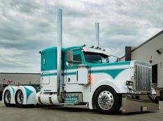 Peterbilt 389, Peterbilt Trucks, Lifted Ford Trucks, Jeep Truck, Big Rig Trucks, Semi Trucks, Cool Trucks, Custom Big Rigs, Custom Trucks