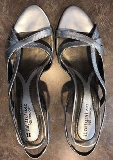 e008f0d924 Naturalizer N5 Prissy Comfort Womens Silver Strappy Heels Sandals Size 7  1/2 W #