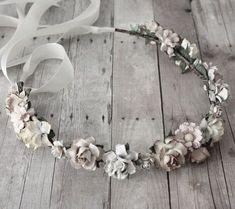 Boho Grey flower wreath. For more followwww.pinterest.com/ninayayand stay positively #pinspired #pinspire @ninayay