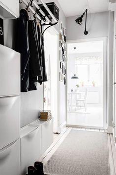 home decor crafts Ikea Inspiration, Hallway Inspiration, Ikea Interior, Scandinavian Interior, Small Space Interior Design, Interior Design Living Room, Trones Ikea Hack, Flur Design, Hallway Storage