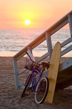 Summer sunset on the beach by the sea with surf board and bicycle. Manhattan Beach California, California Dreamin', Surf Mar, I Love The Beach, Belle Photo, Summer Time, Summer Fresh, Summer Evening, Summer Nights