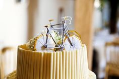 Bride & Groom Road bikes cake toppers by jenfolds Bike Cakes, Unique Cake Toppers, Road Bikes, Bicycles, Bride Groom, Yum Yum, Wedding Cakes, Wedding Ideas, Desserts
