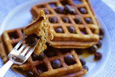 Paleo Banana Waffles from Cupcakes to Crossfit - Rubies & Radishes Free Breakfast, Paleo Breakfast, Breakfast Recipes, Breakfast Ideas, Real Food Recipes, Cooking Recipes, Yummy Food, Paleo Food, Clean Recipes