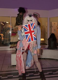 Guests stepped back into the and explored the creativity and theatricality of London's dynamic fashion and club scenes. Back To The 80's, V & A Museum, October 2013, Friday, Dresses, Fashion, Cultural Events, Vestidos, Moda