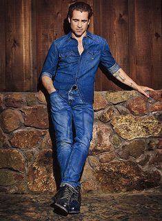 Colin-Farrell-Mens-Health-September-2015-Cover-Photo-Shoot-001