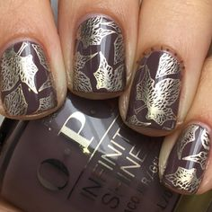 Preen.Me VIP Nadia shows off this sweater-weather mani in time for fall using her gifted OPI #InfiniteShine 2 Icons Nail Lacquer in You Don't Know Jacques! Grab this trendy taupe shade by clicking through.