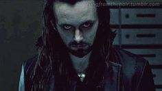 """Michael Sheen as Lucian in """"Underworld. Hotter than any of the vampires in this movie. I love watching this DVD with the French dialogue activated so the elevator doors open and he says """"Salut Michael"""" - sigh, gasp, faint. Underworld Michael, Lucian Underworld, Vampire Film, Vampire Shows, Lets Be Weird Together, Underworld Movies, Underworld Kate Beckinsale, Michael Sheen, Vampires And Werewolves"""