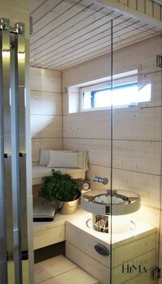 Beautiful white sauna with embedded Harvia Cilindro H equipped with a safety railing. Home Spa Room, Spa Rooms, Sauna Steam Room, Sauna Room, Teal Bathroom Decor, Bathroom Styling, Bathroom Plants, Modern Saunas, Sauna Shower