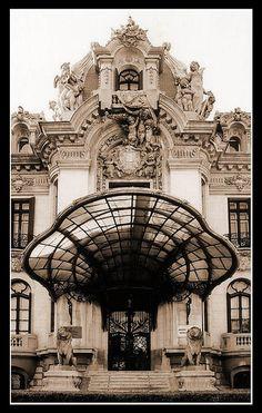 Now this is a door!! belle epoque in Bucharest, via Flickr. ... #ArtDeco #ArtNouveau #Design #Architecture