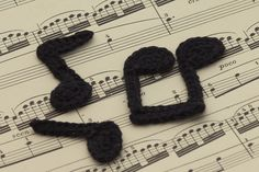 10 Free #Crochet Patterns Inspired by Music: Crochet Music Note Applique Free Patterns