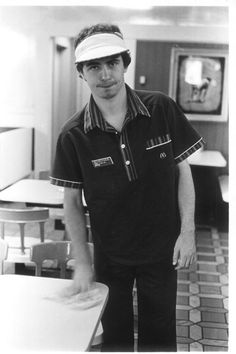 Daniel Johnston (one of the greatest souls to ever take breath) working at McDonalds Working At Mcdonalds, Dont Let The Sun, Daniel Johnston, Forgive And Forget, Don't Forget, Twist And Shout, Indie Pop, Rock Legends, Good People