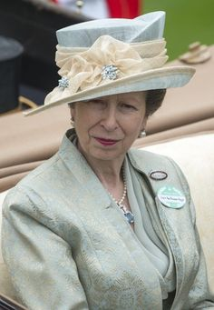 Anne, Princess Royal in the parade ring at Royal Ascot 2013 I love what she is wearing.