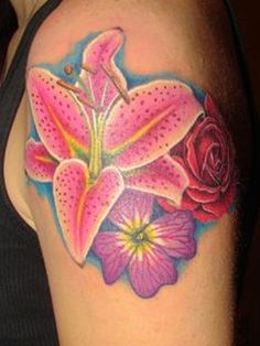 Of Plumeria How To Beautify Your Hawaiian Flower Tattoos Designs - Modern Hawaiian Flower Tattoos, Flower Tattoo Arm, Flower Tattoo Shoulder, Flower Tattoo Designs, Arm Tattoo, Tattoo Flowers, Hawaiian Flowers, Flower Designs, Flower Sleeve
