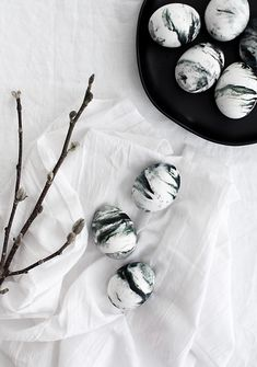 DIY Marbled Easter Eggs- Food Safe! - Homey Oh My