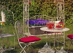 Adapter les couleurs des coussins de chaise à vos meubles de jardin