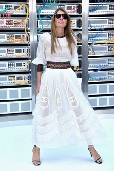 605d619b1 Anna dello Russo Photos Photos - Anna Dello Russo attends the Chanel show  as part of the Paris Fashion Week Womenswear Spring Summer 2017 on October  2016 in ...