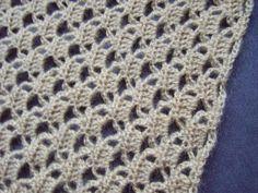 Hobbyloes: Gehaakte sjaal. Crochet Mittens, Crochet Scarves, Diy Crochet, Crochet Clothes, Crochet Stitches, Crochet Hats, Stitch Patterns, Knitting Patterns, Crochet Shawls And Wraps