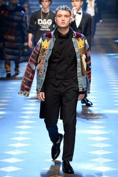 Dolce & Gabbana Fall 2017 Menswear Collection Photos - Vogue