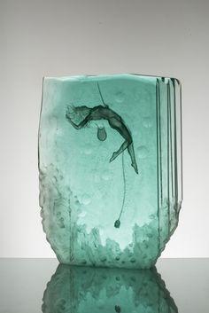 Znalezione obrazy dla zapytania sculpture glass