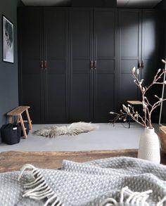 Ikea hack: Onze zwarte Ikea Pax kasten 🖤 in love with our ikea pax wardrobe -. Ikea hack: Onze zwarte Ikea Pax kasten 🖤 in love with our ikea pax wardrobe – Melanie – Ikea Wardrobe Hack, Ikea Pax Hack, Bedroom Wardrobe, Wardrobe Doors, Ikea Black Wardrobe, Hall Wardrobe, Armoire Wardrobe, Wardrobe Storage, Storage Room