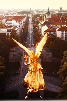#Munich #Friedensengel (angel of peace) monument with a view over the #Prinzregentenstraße