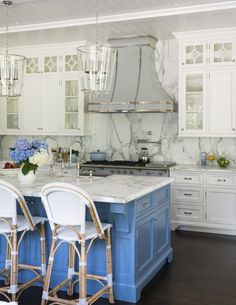 Rye Beach Shingle Style Kitchen Shingle Style Modern TraditionalNeoclassical by Douglas VanderHorn Architects