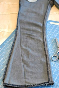 A how-to for making skinny jeans from boot cut jeans. This blog also has other great tutorials worth looking at!