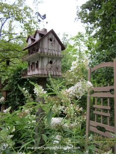 Garden Birdhouse~Image by Evi's Country Snippets Garden Bird Feeders, Bird House Feeder, Fairy Houses, Dog Houses, Palomar, Wood Bird, Small Buildings, Unique Gardens, End Of Summer