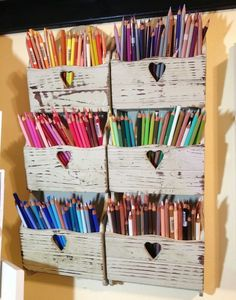 Storing and organizing colour pencils in an art studio / at home