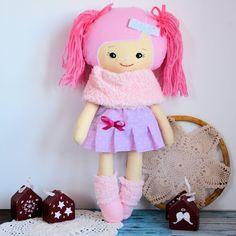Cukierkowa lalka Edytka 43 cm - wersja zimowa #clothdoll, #doll #handmade #stuffed #toy @pracownia.malykoziolek Stuffed Toy, Hello Kitty, Dolls, Christmas Ornaments, Holiday Decor, Handmade, Character, Baby Dolls, Hand Made