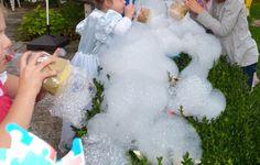 Eiskönigin-Party: Hier findet ihr meine Party-Anleitung für eine Eiskönigin-Elsa-Party! Viel Spaß http://www.partiesserie.de
