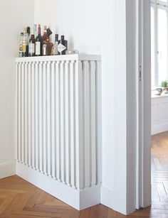 Paint white Paint heater: Alpina white paint for radiators … – Decoration Ideas Modern Radiator Cover, Diy Interior, Interior Design, Ideas Prácticas, Amazing Decor, Home Projects, Home Furnishings, Sweet Home, Office Home
