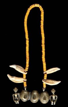 India | Necklace from Nagaland | Brass, glass beads and fawn teeth