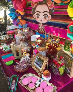 Fiestas Patrias decorate these colorful sweets table, Picosita and delicious with Mexican theme, we give a simple DIY ideas for flowers ideas themes mexican fiesta Ideas: candy table for Mexican party Mexican Dessert Table, Mexican Candy Table, Mexican Party Decorations, Mexican Fiesta Birthday Party, Fiesta Theme Party, 2 Birthday, Birthday Party Snacks, Frida Kahlo Party Decoration, Frida Kahlo Birthday