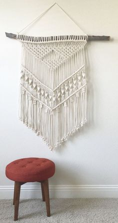 Gegenstände ähnlich wie Macrame Wall Hanging on Wood auf Etsy - Makramee Deko Macrame Design, Macrame Art, Macrame Projects, Macrame Knots, Diy Projects, Etsy Macrame, Design Projects, Handmade Wall Hanging, Macrame Wall Hanging Diy
