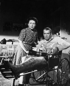 James Stewart, Thelma Ritter - Rear Window (Hitchcock, 1954)