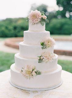 Photography: Jose Villa Photography - josevillaphoto.com Cake: Favorite Cakes - http://favoritecakes.com Floral Design: Southern Blooms - http://patsfloraldesigns.com   Read More on SMP: http://stylemepretty.com/vault/gallery/54453