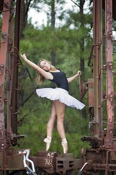seneca sc senior photographer pointe ballet senior portrait ideas for girls railroad tracks and trains dance except that railroad safety rules dictate that one never steps on the couplers, never mind that they don't make safety steel toe pointe shoes. Art Ballet, Ballet Beau, Royal Ballet, Ballet Dancers, Ballerinas, Dance Photography Poses, Dance Poses, Dance Photo Shoot, Alvin Ailey