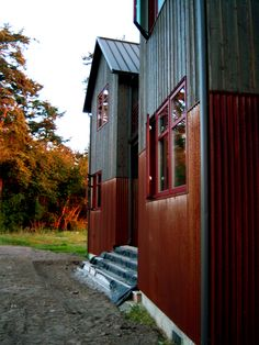 So rustic---Corten (weathering) steel metal siding homes pictures  MANUFACTURED SIDING-GABLE ROOF