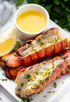 Easiest Broiled Lobster Tails No need to be intimidated by cooking lobster tails. This is the easiest method ever for perfect, restaurant quality broiled lobster tails at home! Baked Lobster Tails, Frozen Lobster Tails, Broil Lobster Tail, Grilled Lobster, Broiled Lobster Tails Recipe, Lobster Rolls, Lobster Recipes, Fish Recipes, Seafood Recipes