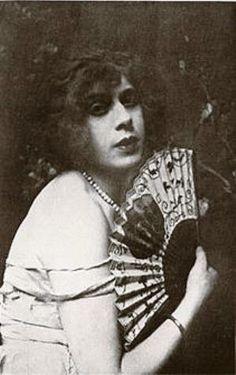 Lili Elbe. Before transitioning, Ejnar Wegener was married to painter, illustrator and Parisian fashion designer, Gerda Wegener. Lili was Gerda's favorite model for women's high fashion.