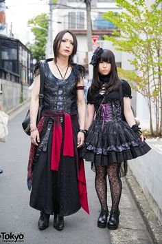 Gothic Duo in Harajuku w/ h.NAOTO Corsets, Chrome. Reila and Rui are two visual kei fans