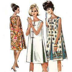 Vintage Dresses Vintage shift dresses - Love the contrast inverted pleats. Shift Dresses, 1960s Shift Dress, 1960s Dresses, Vintage Dresses, Vintage Outfits, Sixties Fashion, Retro Fashion, Vintage Fashion, Ski Fashion