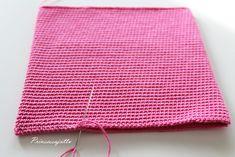 Prinsessajuttu: Toivepostaus: Virkattu kosmetiikkapussi, OHJE Princess Stories, Small Case, Cosmetic Bag, Knit Crochet, Crochet Bags, Crochet Patterns, Outdoor Blanket, Pouch, Knitting