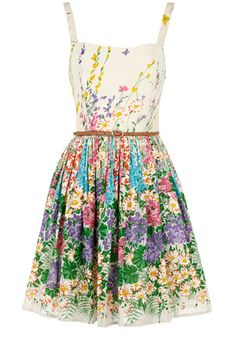 This floral belted dress would be the perfect outfit for afternoon tea! Pretty Outfits, Pretty Dresses, Cute Outfits, Look Fashion, Fashion Outfits, Womens Fashion, Fashion News, High Fashion, Simply Fashion