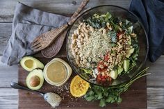 The Game Changers : Recette Salade Loaded Chopped Plant Based Eating, Plant Based Diet, Plant Based Recipes, Whole Food Recipes, Dinner Recipes, Tempeh Bacon, Vegetarian Recipes, Healthy Recipes, Protein Recipes